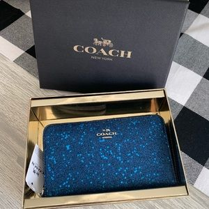 Coach Medium wallet/wristlet